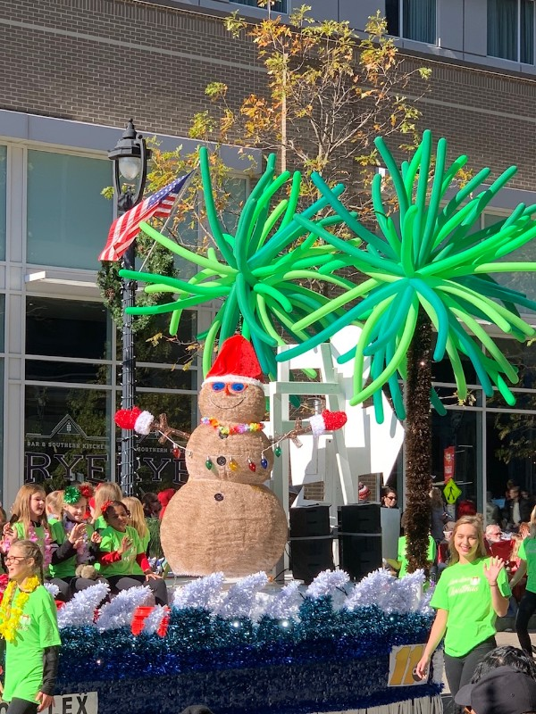 2018 Raleigh Christmas Parade snowman float